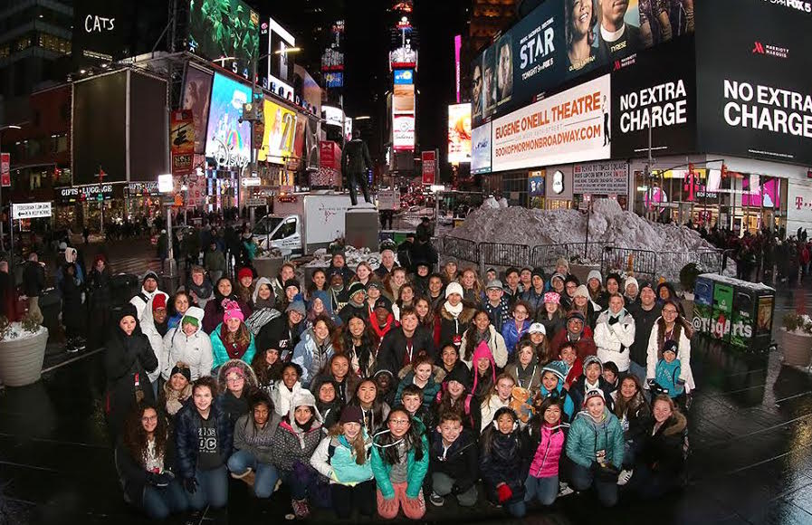 The+students+of+the+2016-17+Washington+DC%2C+New+York+trip+take+a+picture+in+Times+Square.