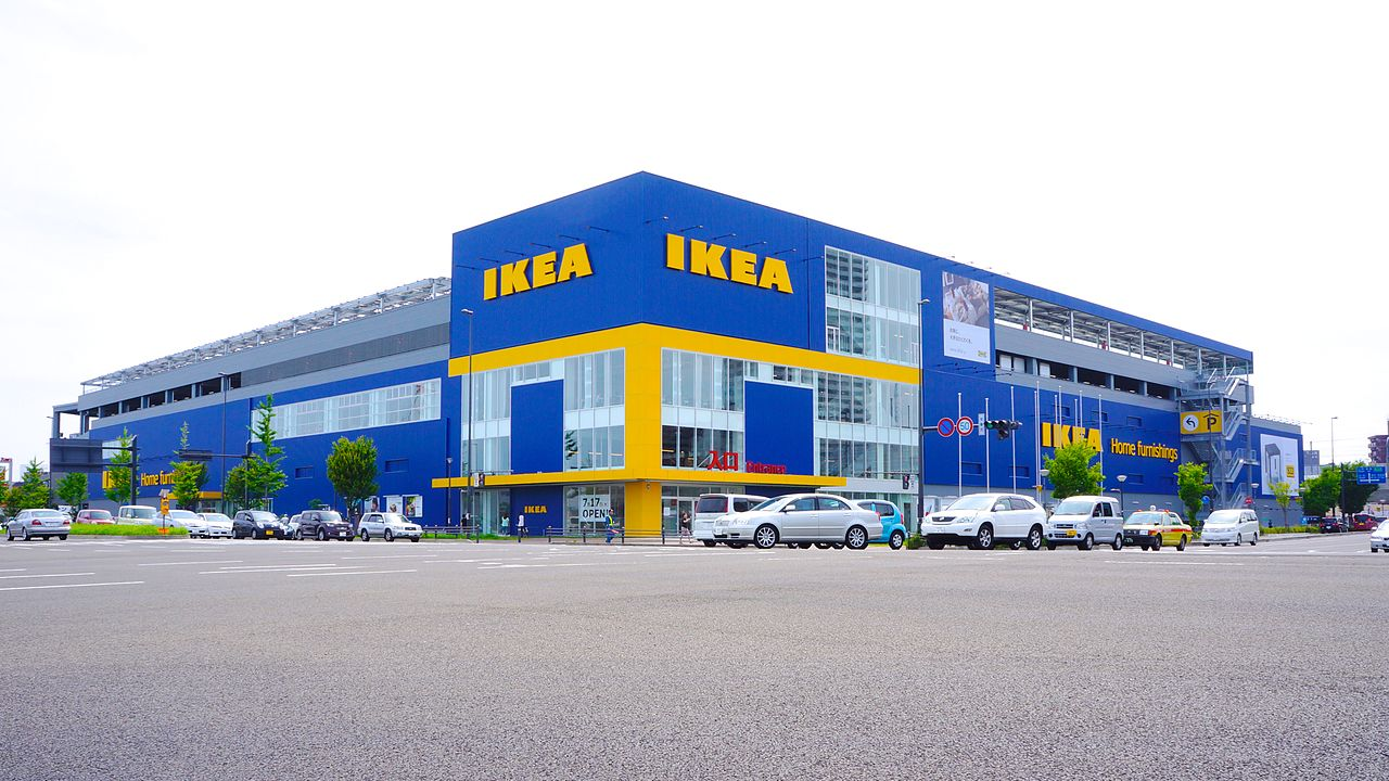 strategi ikea This report express you the service marketing strategies used by the ikea, the furniture franchiser to be success this covers the scope of the business, strat.