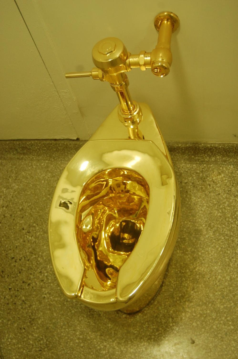 A solid gold toilet was offered to the White House.