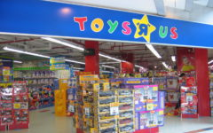 735 Toys 'R' Us Stores Are Closing