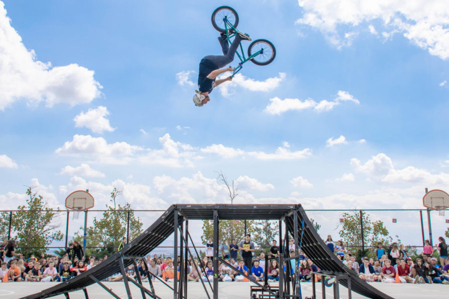 An+awesome+BMX+show+comes+to+Day+Creek+as+a+part+of+the+Step+It+Up+fundraiser.