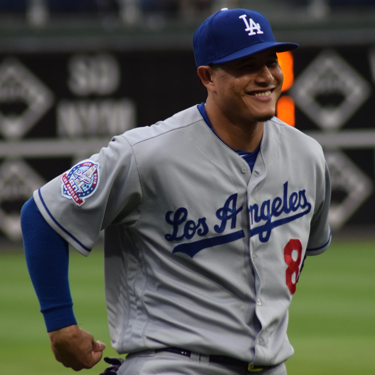 Manny Machado signs with Padres with a record $300 million.