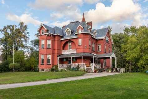 Here is an awesome haunted Mansion themed airbnb with amazing features for an amazing experience!